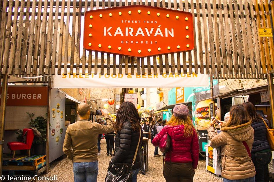 Karavan Food Truck Garden